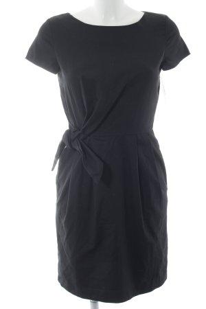 Hallhuber Etuikleid schwarz klassischer Stil