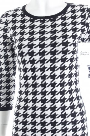 Hallhuber Rundhalspullover weiß-schwarz Hahnentrittmuster klassischer Stil