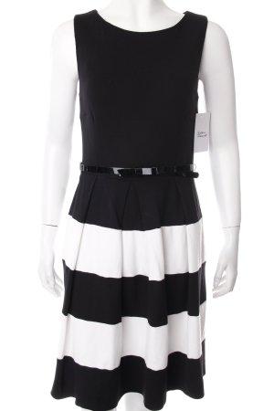 Hallhuber Stretchkleid schwarz-weiß Streifenmuster schlichter Stil