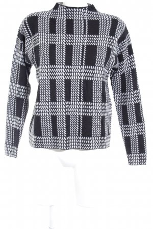 Hallhuber Knitted Sweater black-white graphic pattern casual look