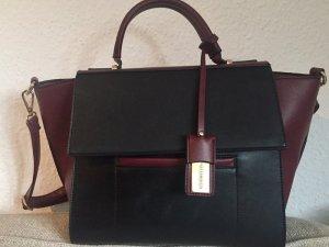 Hallhuber Tasche in Burgundy Farbe