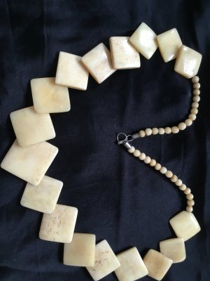 Necklace pale yellow-gold-colored