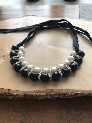 Zara Statement Necklace black-white