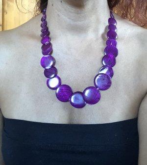 Collar púrpura-negro