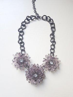 Halskette Blumenschmuck