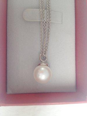 Halskette Christ mit Perlenanhänger