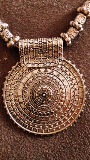 Collar color bronce metal