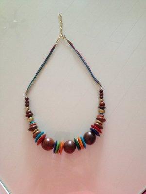 Halskette im Ethnostyle