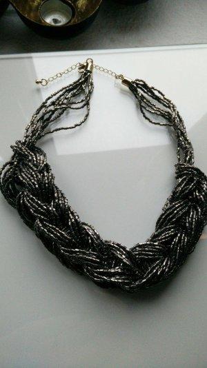 Halskette in Silber Grau