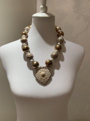 Halskette mit Herz neuwertig nie getragen