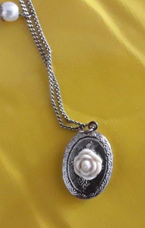 Necklace white-silver-colored