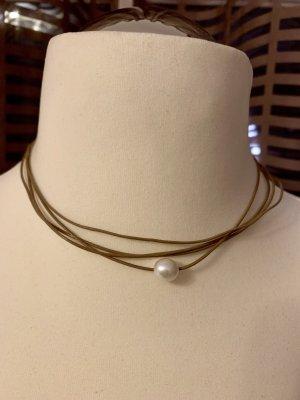 Halskette mit Magnetverschluss
