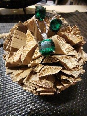 Halskette mit Ohrringen Set, echt 925 Silber, mit GRÜNEM Stein