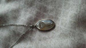 Halskette mit Schlüssel