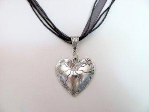 Halskette Organza schwarz 47cm Herz Anhänger Edelweiß 4,5cm Oktoberfest, Wiesn