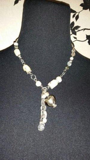 Halskette - Perlen & Steinchen - beige / creme