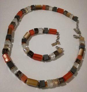Halskette und Armband aus Halbedelsteinen mit Swarovski-Steinen
