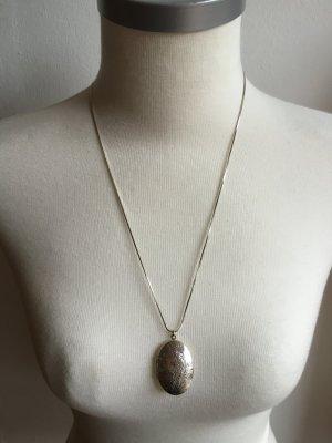 Halskette von H&M mit Medaillon