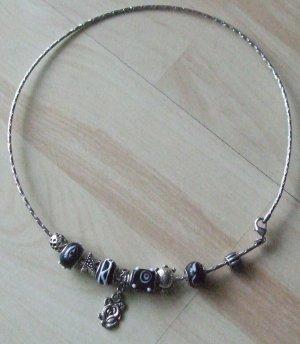 Collar color plata-negro