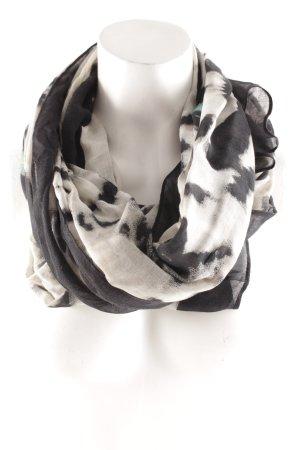 Pañoleta negro-beige estampado de animales look casual