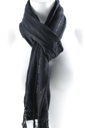 Pañoleta negro look casual
