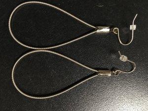 Handgearbeitete Ohrringe