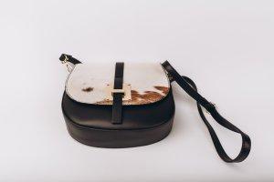 Handgefertigte Umhänge-/Schultertasche aus Leder/ Fell schwarz NEU NP 99€