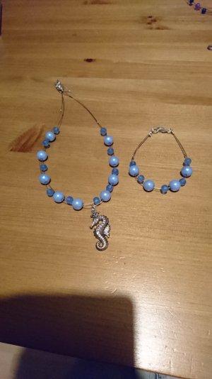 Handgefertigter Perlenschmuck im Set zu verkaufen