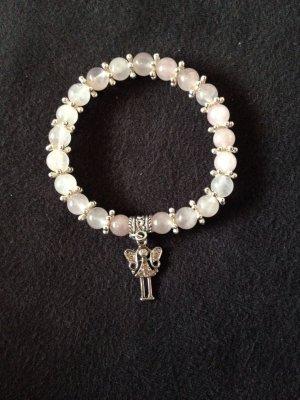 Handgefertigtes Perlenarmband