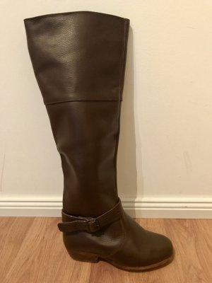 Botas altas marrón