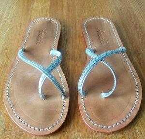 Handgemachte Sandalen aus Bali. In schönem Silber, komplett aus Leder. Wenig getragen!