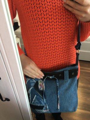 Handgemachte Tasche aus gebrauchten Jeans