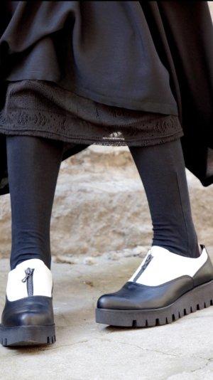 Scarpa bassa bianco-nero Pelle