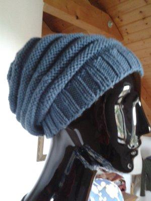 Cap slate-gray wool