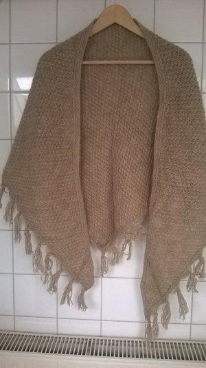 handgestricktes Dreieckstuch aus Schurwolle von Hess Natur