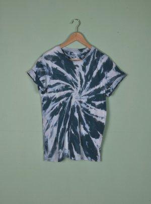 Handmade Batik Hippie Shirt mit Wirbel in Petrol