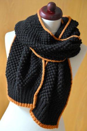 HANDMADE DIY wunderschöner langer Strickschal schwarz orange Einzelstck oversize