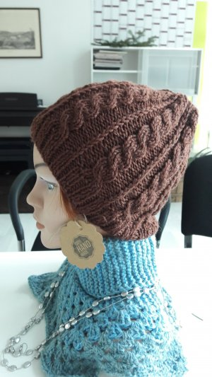 Sombrero de punto marrón