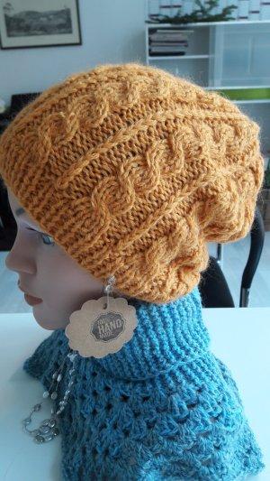 Sombrero de punto marrón arena
