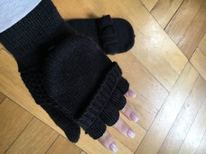 s.Oliver Gloves black