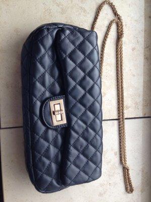Handtasche aus schwarzem Kunstleder
