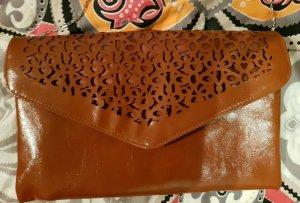 Handtasche braun mit Kette silber * Boho Herzchen Muster * süß vegan nougatbraun
