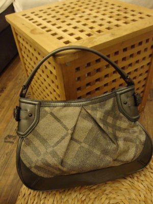 Burberry Bolsa Hobo caqui-color plata