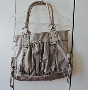 Handtasche in Aschgrau mit vielen Details