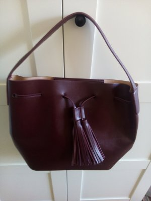 Handtasche in dunkelrot von MANGO