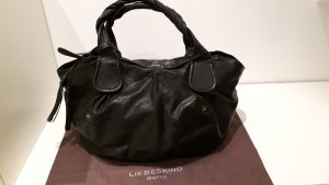 Handtasche in edel glänzendem schwarzen Glattleder von Liebeskind Berlin