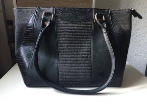Handtasche in Lederoptik mit Fleece
