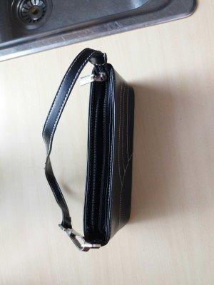 Handtasche in schwarz