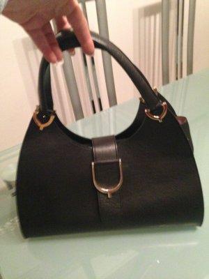 Handtasche in Schwarz aus Leder