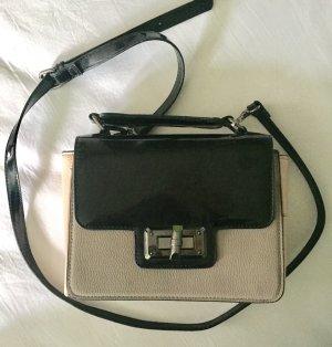 Handtasche mit abnehmbaren Umhängegurt